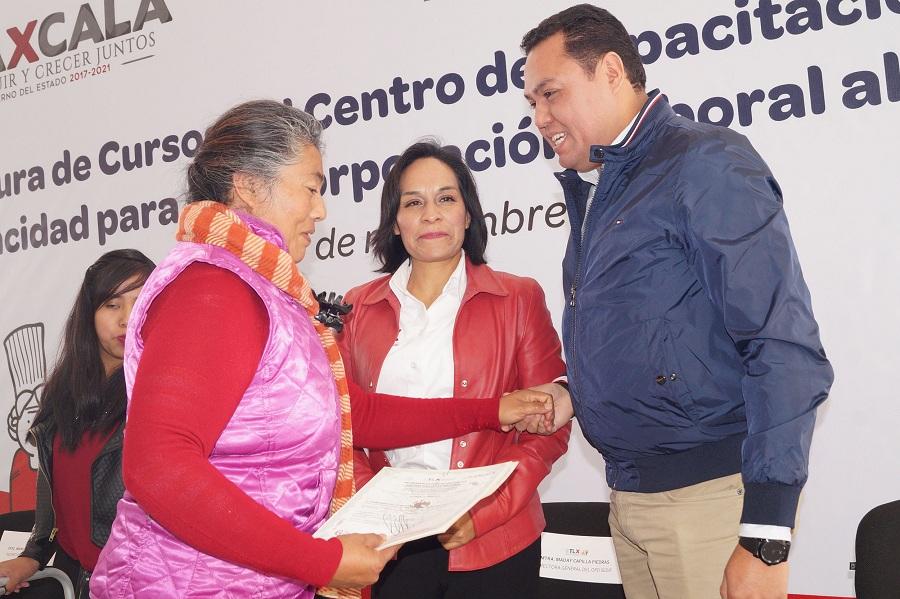 CLAUSURAN DIF ESTATAL Y SEPUEDE  CURSOS PARA PERSONAS CON DISCAPACIDAD