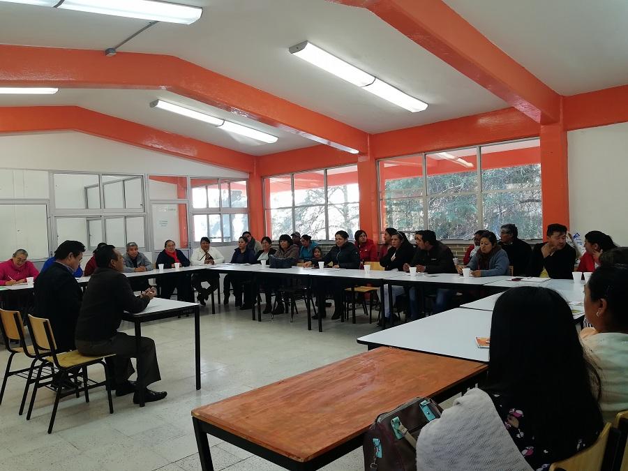 CAPACITAN A LOS  CONCESIONARIOS DE CAFETERIAS DEL COBAT