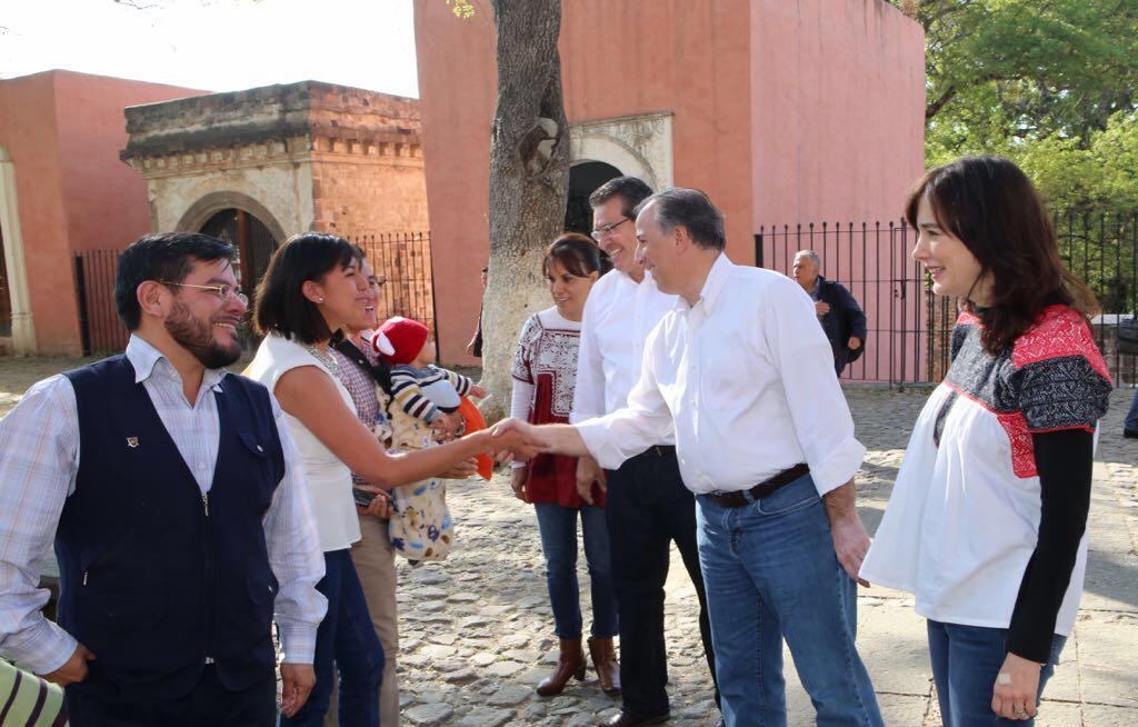 RECORRE  JOSÉ ANTONIO MEADE DISTINTOS PUNTOS DE LA CAPITAL TLAXCALTECA