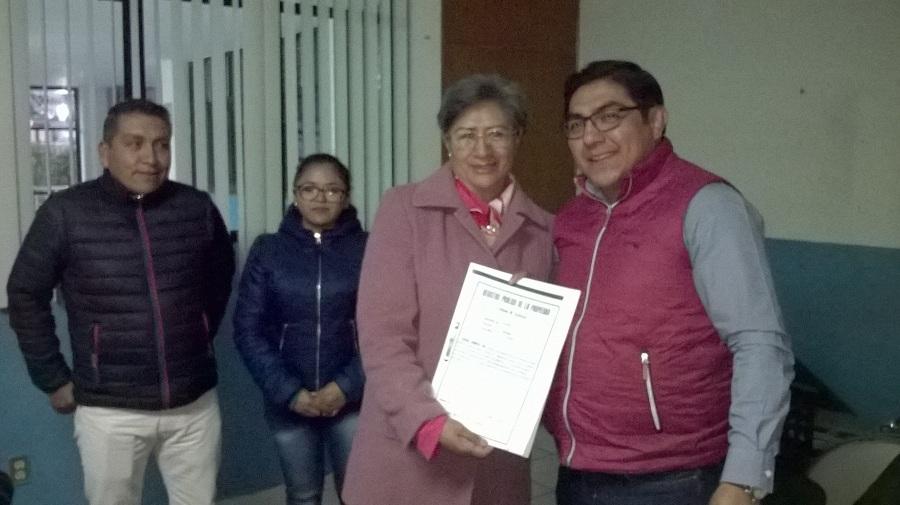 ENTREGA ALCALDE DE TOTOLAC DOS ESCRITURAS; UNA DE CHIMALPA Y OTRA DE QUIAHUIXTLÁN